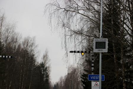 Viesītē uzstādīts ātruma mērīšanas radars