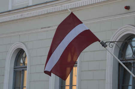 """Jēkabpils domes sēdē pozīcijas un opozīcijas deputāti """"saķeras"""" jautājumā """"Par amatu sarakstiem"""""""