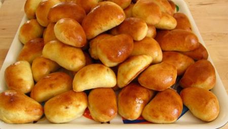 Svētku galdam - pīrādziņi ar sulīgu maltās gaļas pildījumu