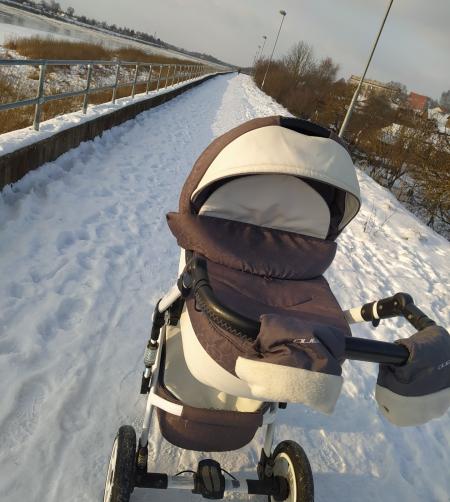 Mums raksta: Kāpēc netiek tīrīts sniegs uz Daugavas dambja Krustpils pusē?